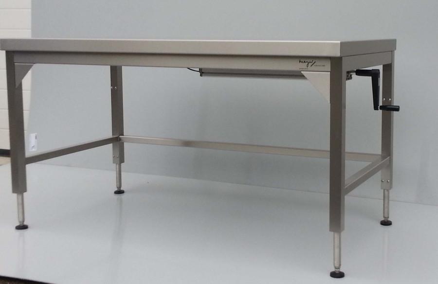 edelstahl tisch h henverstellbar mayer edelstahleinrichtungen. Black Bedroom Furniture Sets. Home Design Ideas